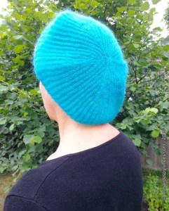 beret-turquoise-mohair-pyrenees-2