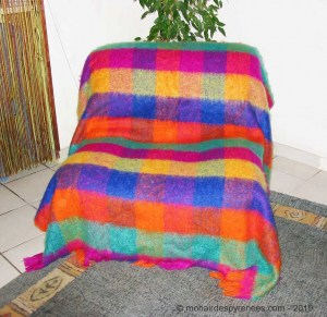 plaid-carreaux-ara-laine-mohair-pyrenees